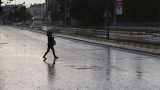 الأرصاد الجوية تحذر من أمطار وفيضانات في 4 ولايات تركية