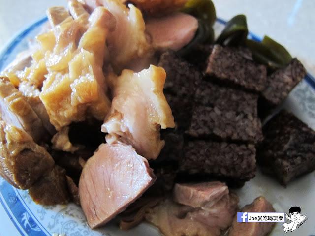 IMG 0142 - 【台中美食】曾氏幸福 | 隱藏於台中國立美術館對面的中信市場得排隊美食| 滷味必吃| 魷魚羹麵|羊肉羹麵|台中美食|熱血台中|