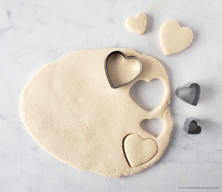 3 Ingredient Clay Valentine Magnets