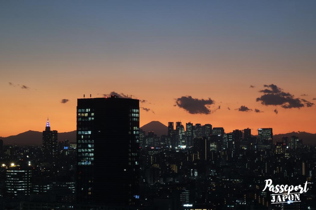 Vue crépusculaire sur le mont Fuji depuis Bunkyô Civic Center
