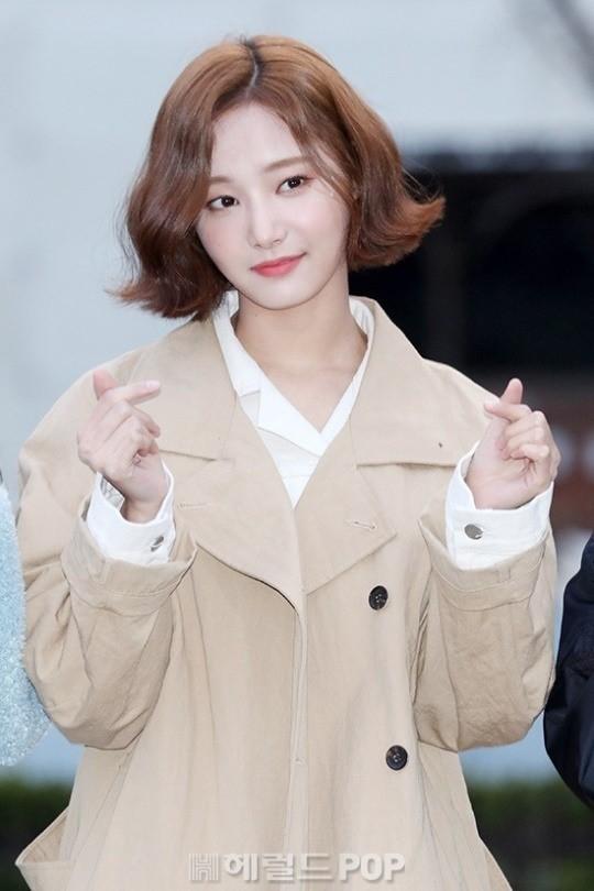 Yeonwoo, Momoland'den ayrılacağı dedikodularını yalanladı