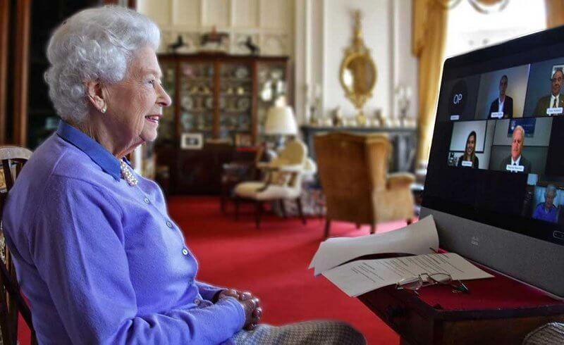Queen Elizabeth wore a blue cashmere cardigan and a blue shirt