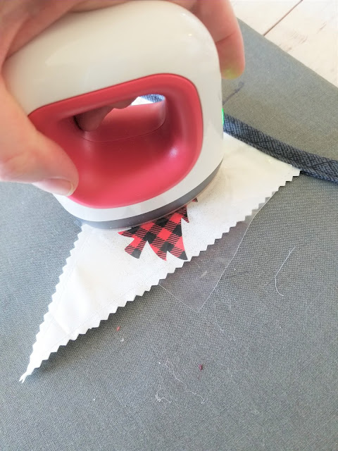 how to make christmas bunting with fabric