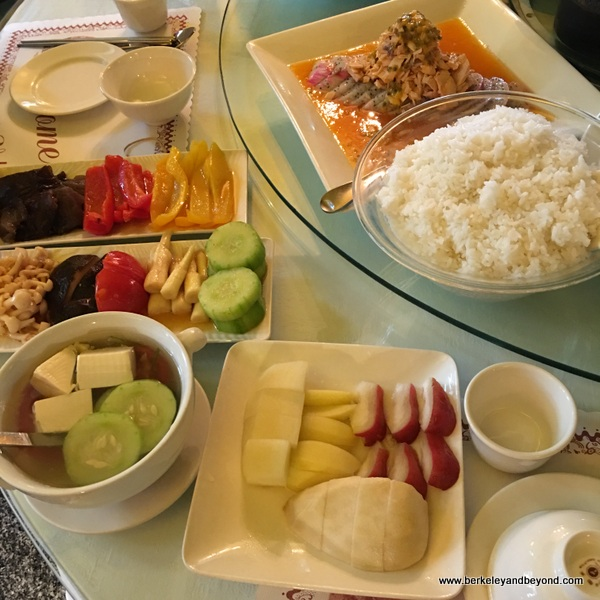 fruit-enhanced dishes at Full House Restaurant at Sun Moon Lake in Taiwan
