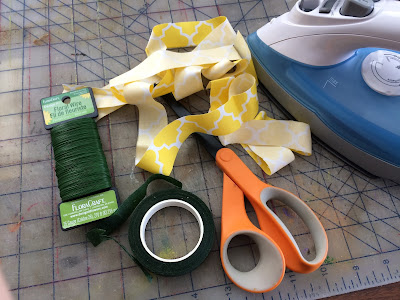 What you need to make your own fabric flowers from scrap fabric