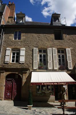 Atelier e Museo dell'Orologeria nel centro di Fougeres