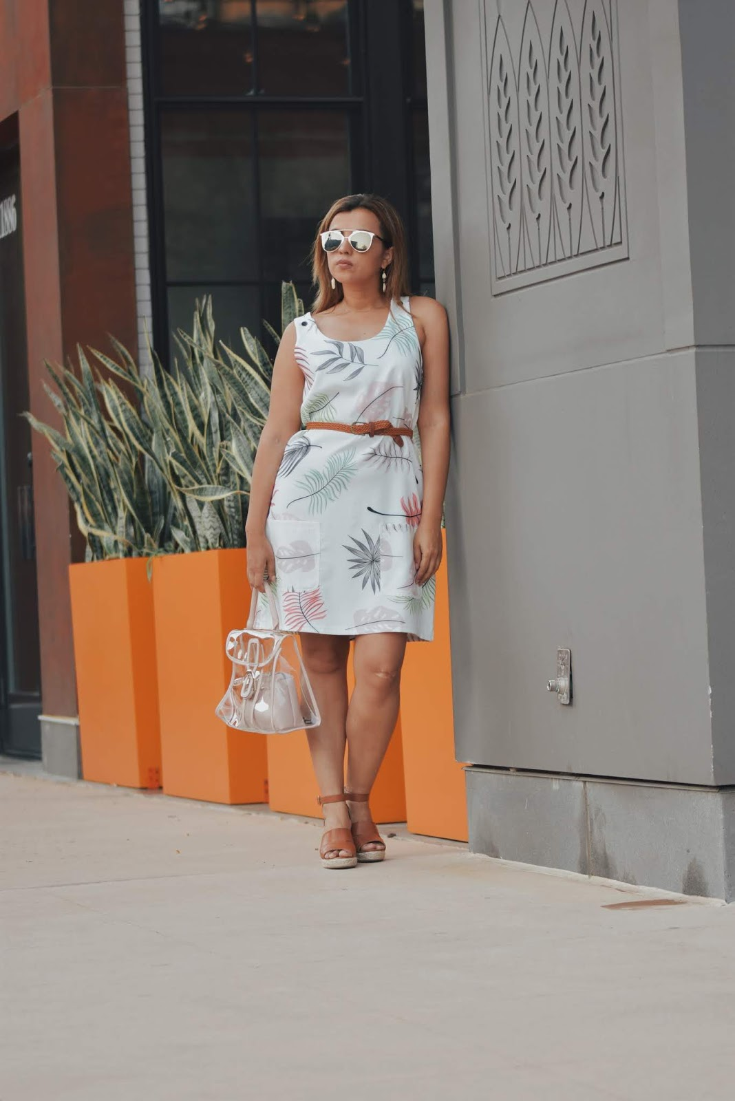 How to wear a White Leaf-Print Sleeveless Short Shift Dress by Mari Estilo-look of the day-lookbookstore-dcblogger-fashionblogger-streetstyle-modaelsalvador-modamexicana-