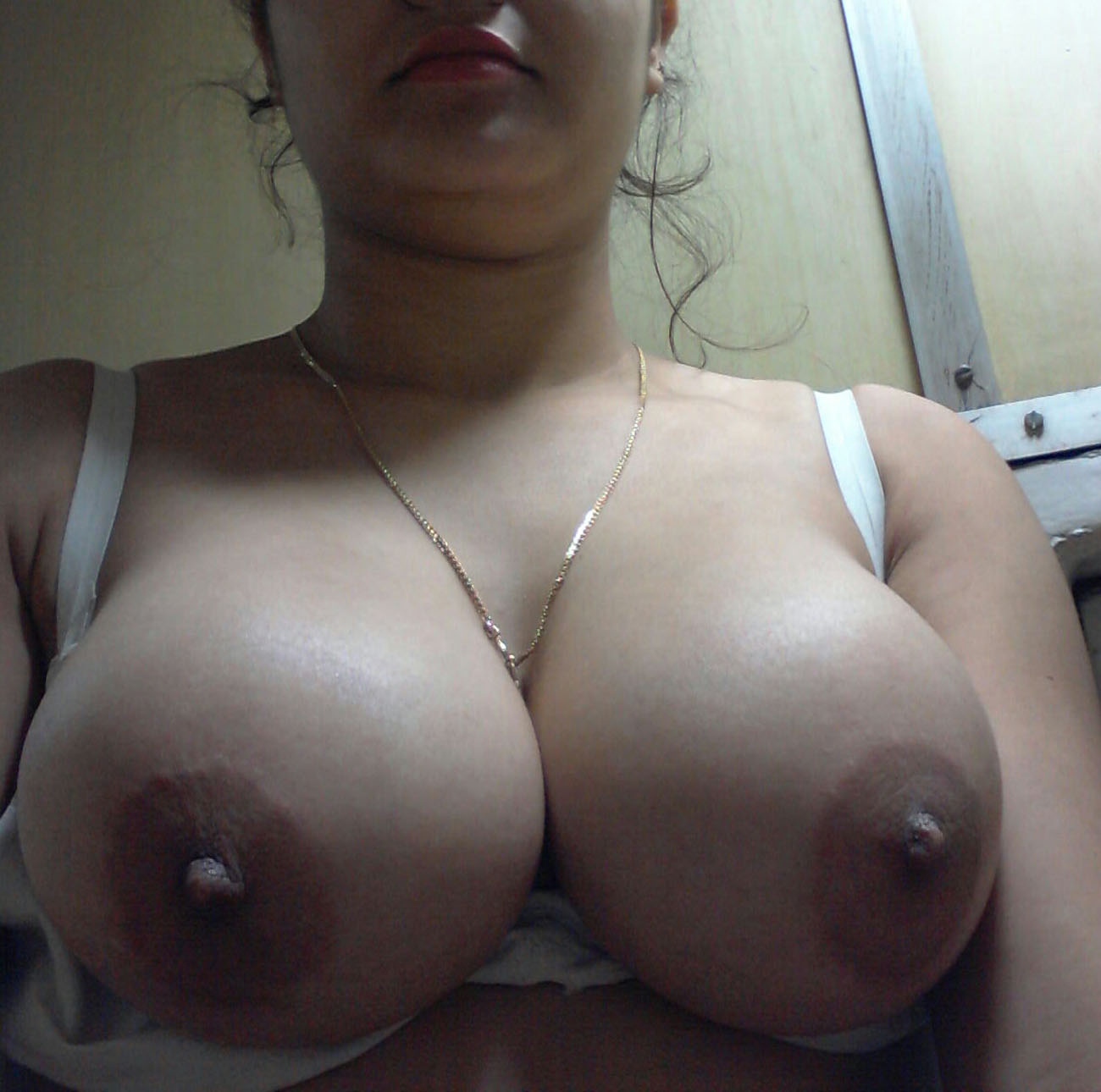 Huge Natural Tits Xxx