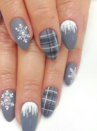 6 Pretty Winter Nail Designs That Are Too Cool