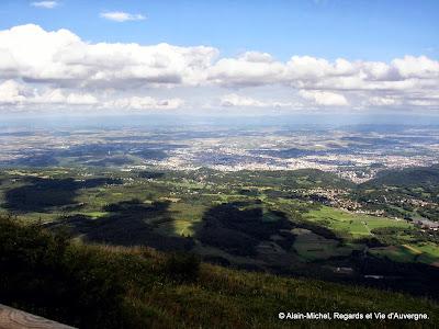 Le Puy-de-Dôme.la Limagne et Clermont-Ferrand