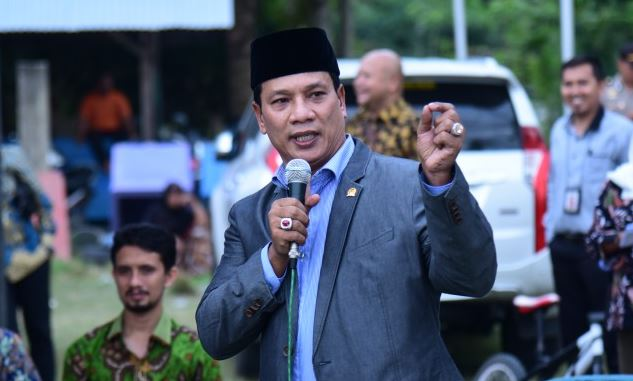 Anggota DPR RI asal Aceh H  Ruslan M  Daud  HRD