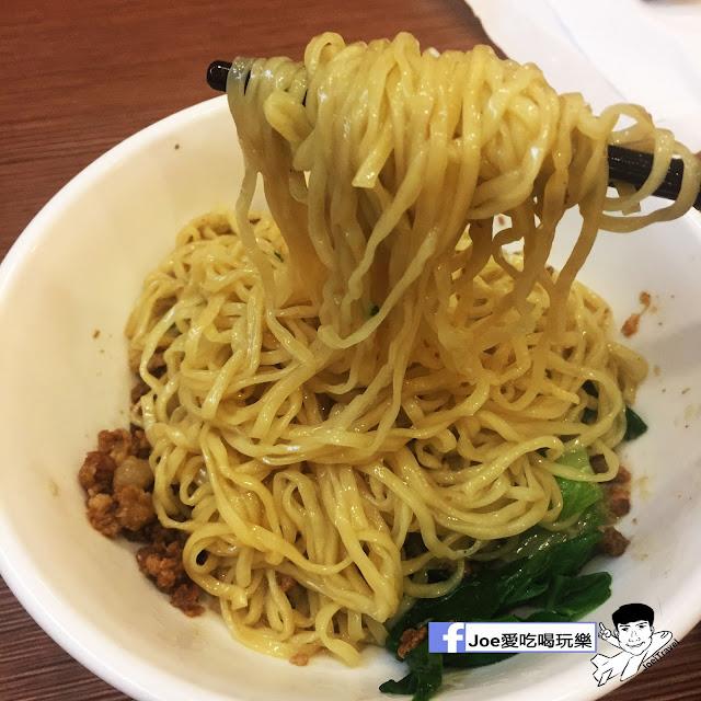 IMG 0365 - 富子江家餛飩,超級大尺寸的餛飩麵,超級嗆辣的麻辣烏龍豆干必吃啊~