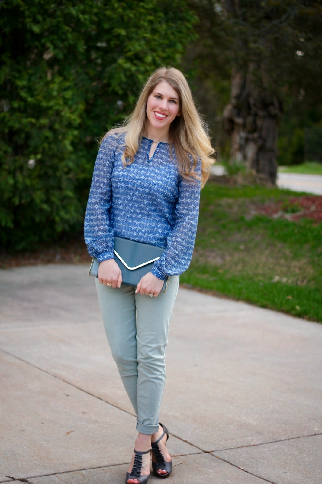 grey jeans cobalt printed blouse grey envelope clutch, grey heels