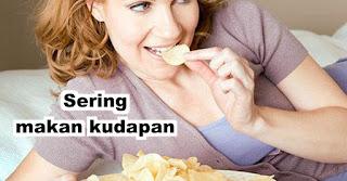 Sering makan kudapan untuk membantu mengurangi morning sickness