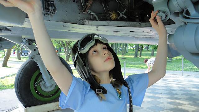 Летный шлем с очками - натуральная кожа, ручная работа. Размер на усмотрение заказчика: детский шлем с очками или шапка шлем больших размеров