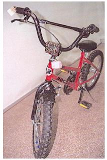 Kevins nya röda cykel