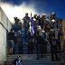 Προπηλακισμοί βουλευτών έξω από το Κοινοβούλιο – διαδηλωτές επιχείρησαν να εισβάλουν στο προαύλιο