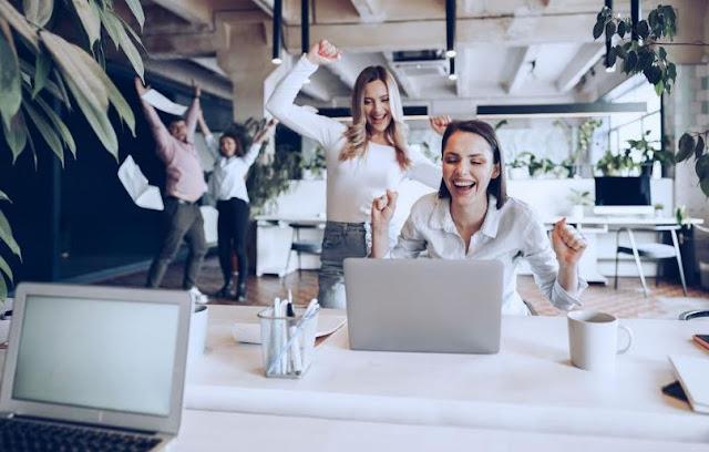 employee incentives reward program increase motivation talent retention