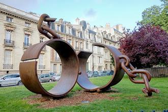 Paris : Fers brisés, hommage au général Thomas Alexandre Dumas, une oeuvre signée Musée Khômbol alias Driss Sans-Arcidet - XVIIème