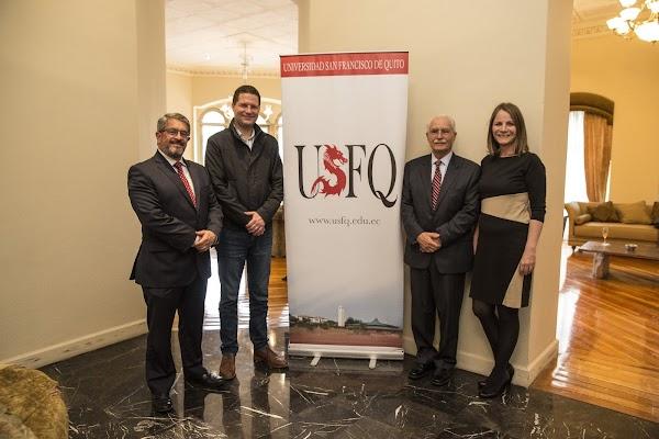 Firma de convenio de colaboración entre la USFQ y el Municipio de Quito
