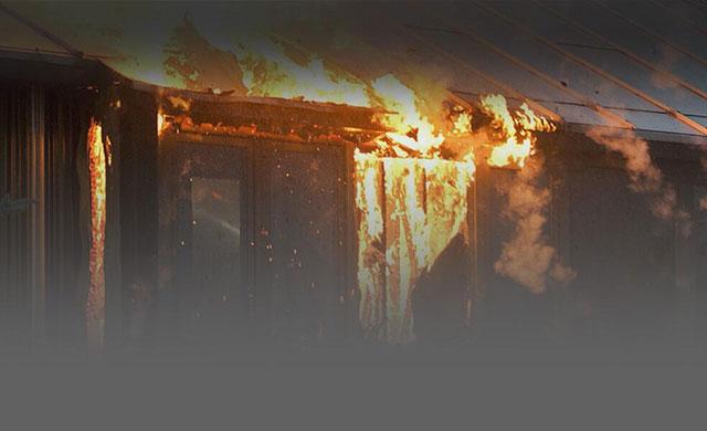 Teman Khayalan yang Ingin Membakar Rumah