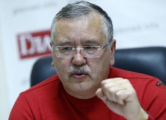 Полковник рветься до зірок. Як екс-міністр Гриценко став одним з фаворитів президентських перегонів