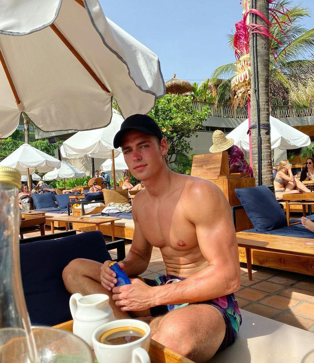 young-shirtless-fit-guys-summer-thom-strijd-huge-male-nipples-pecs