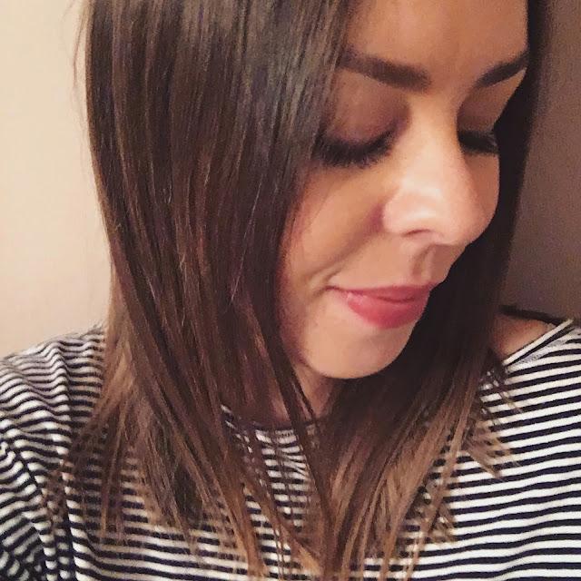kobieta-fryzura-prostewłosy