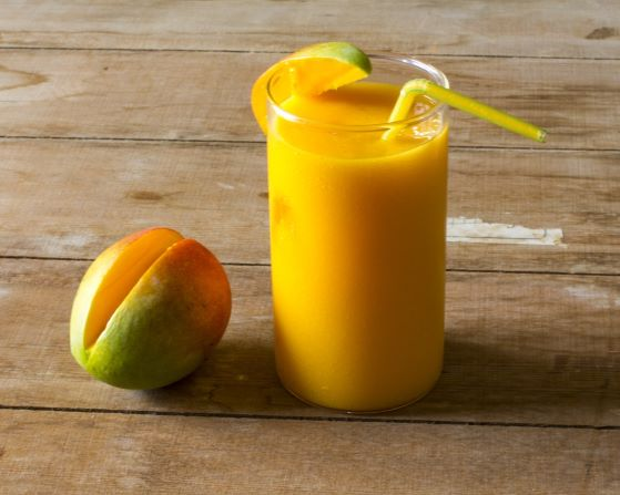 mango-smoothie-breakfast