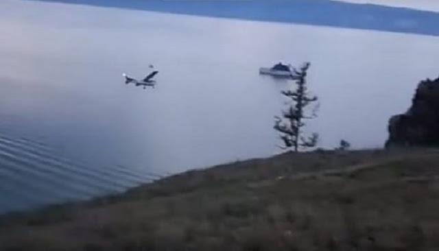 Pesawat Ini Jatuh Kedalam Danau Terdalam di Dunia