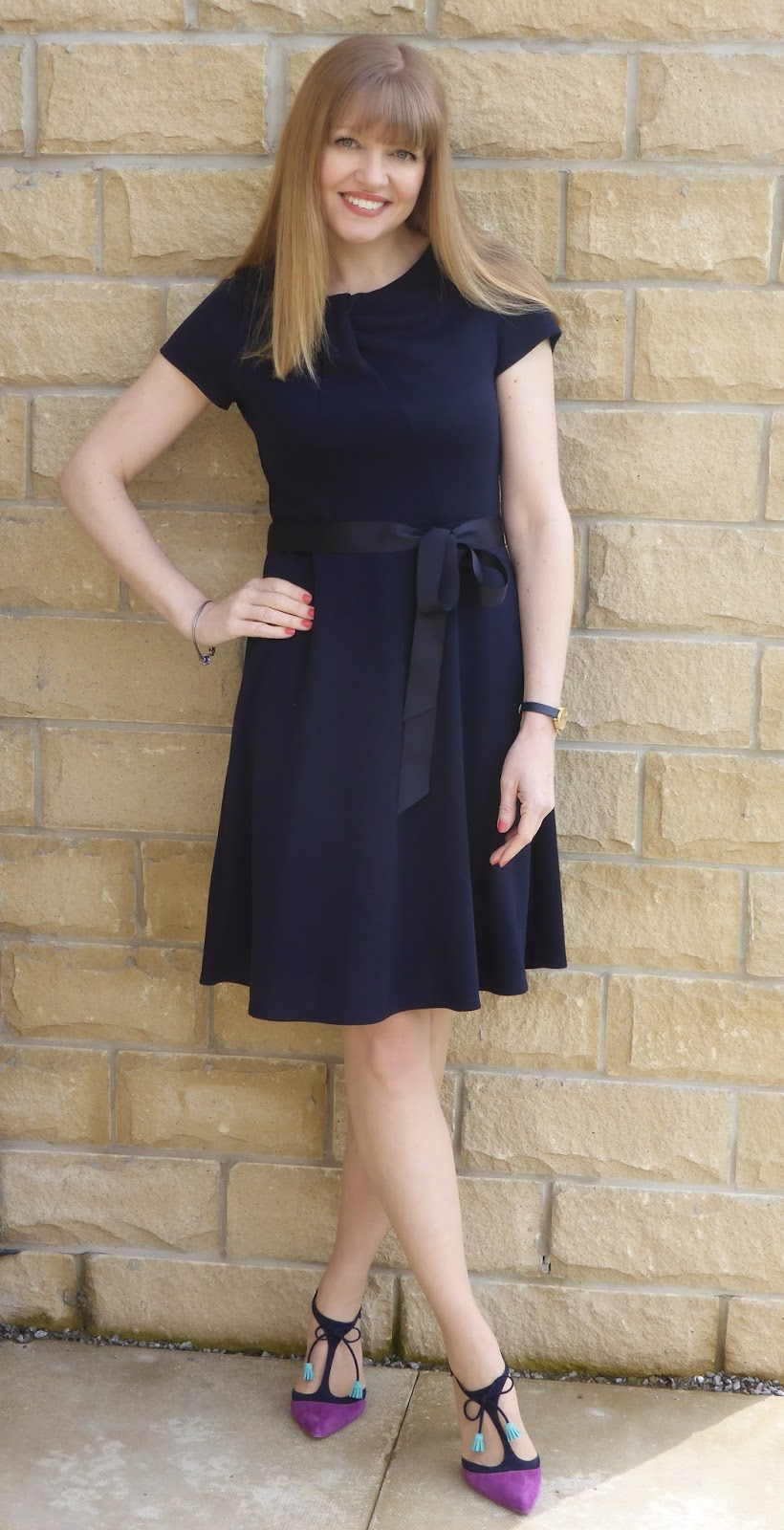 Over 40 fashion blogger. Navy jersey dress with navy and magenta Boden Alice heels