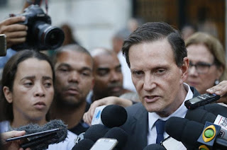 http://vnoticia.com.br/noticia/2946-justica-federal-decreta-bloqueio-de-bens-do-prefeito-do-rio-marcello-crivella