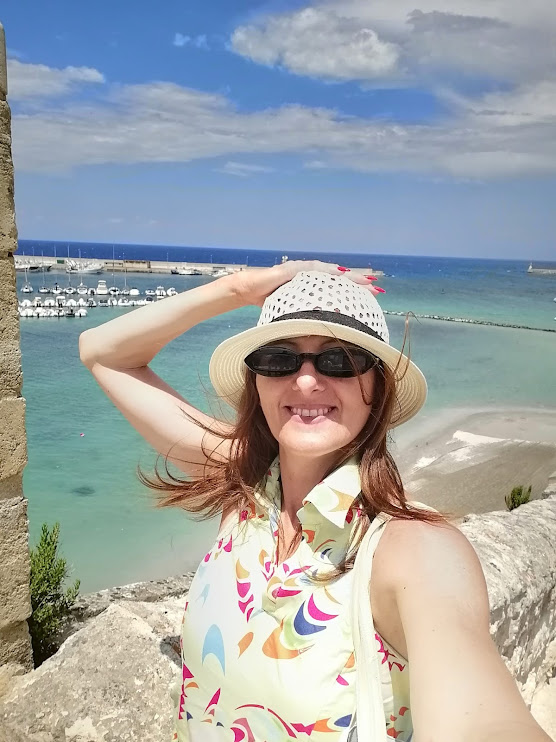 Fashion travel blogger italy