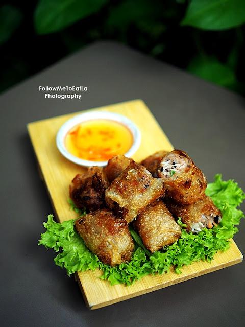 Chicken Fried Spring Rolls or Cha Gio (Gà)