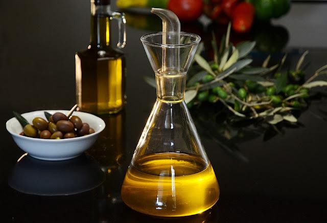 ما هي فوائد زيت الزيتون للشعر؟