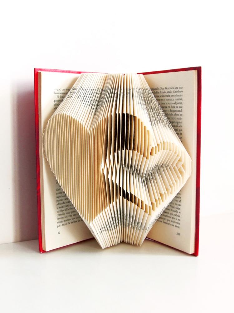 https://www.oddity-london.com/2020/06/libro-dos-corazones.html