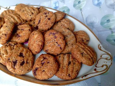 Lowcarb sukkerfrie julesmåkager bagt uden mel. Opskrift fra CDJetteDCs LCHF