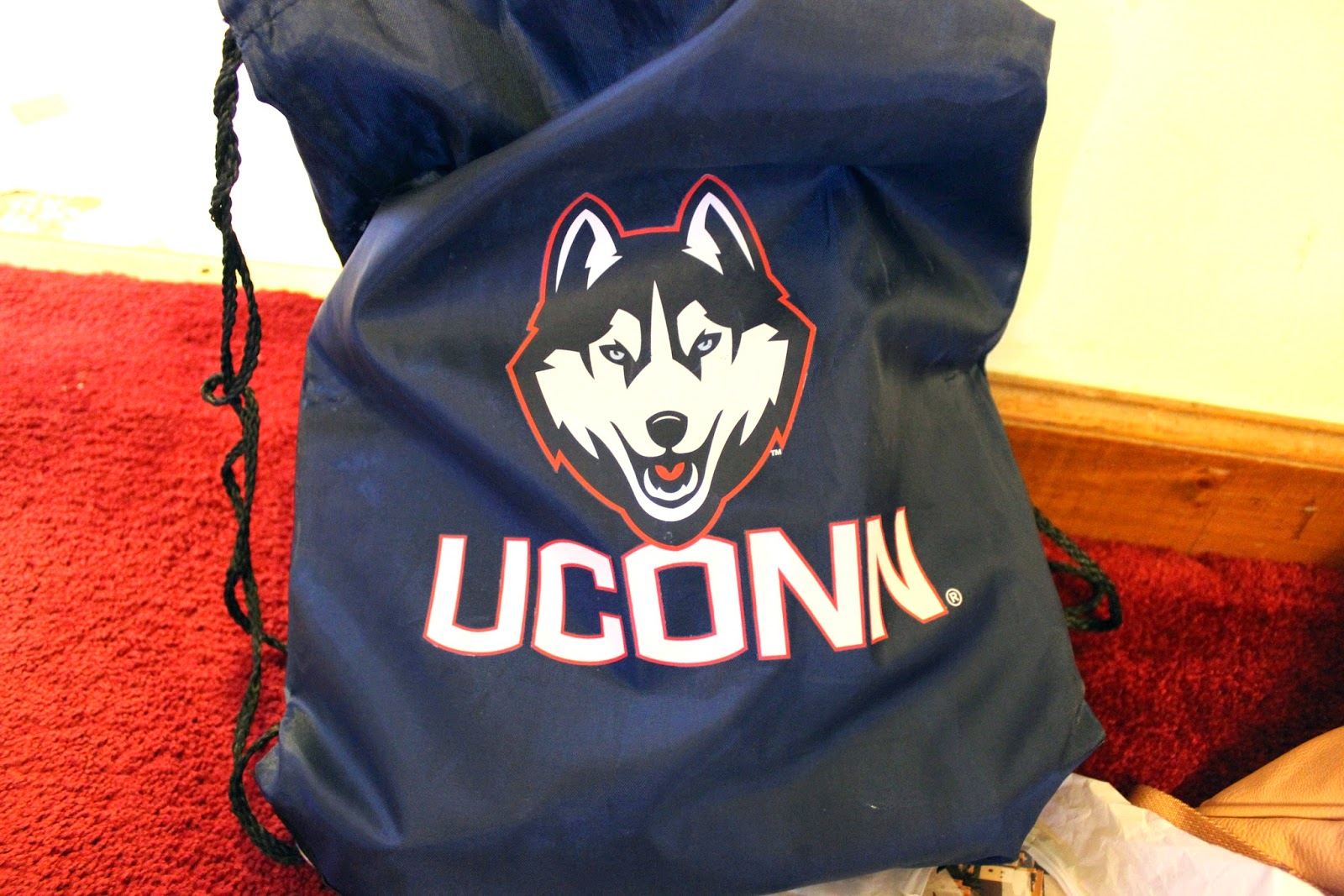 Uconn drawstring bag