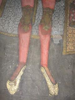 Incaltarile lui Mricea Cel Batran, Manastirea Cozia