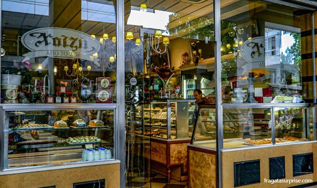 Confeitaria Xátzi, doces típicos gregos, em Atenas