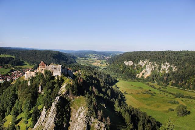 Chateau de Joux - La cluse et mijoux