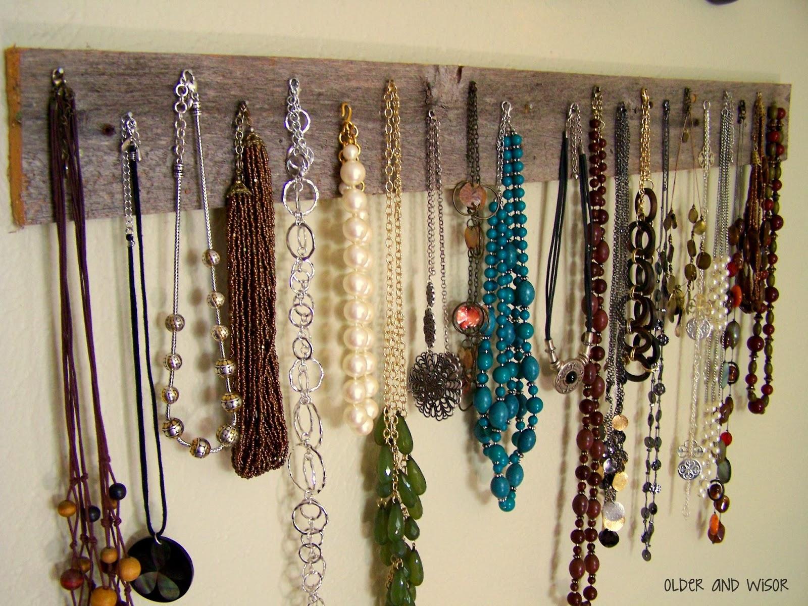 Wooden Necklace Rack Diy