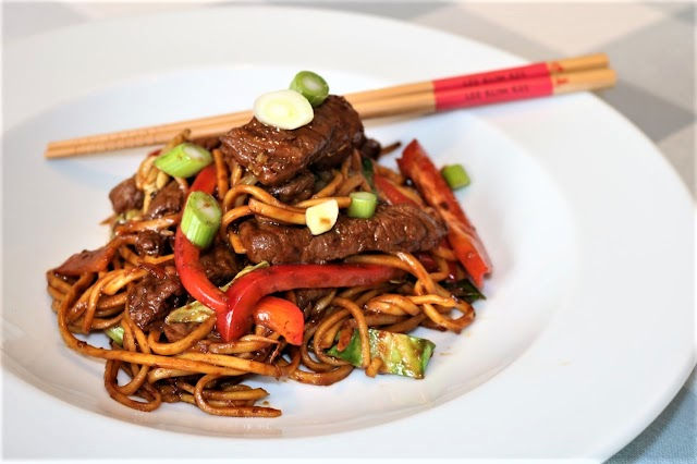 Stir-Fried Beef Noodles with Black Bean Garlic Sauce