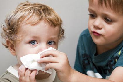 Begini Caranya Atasi Pilek Pada Bayi Sesuai Saran Dokter