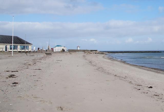 Der Strand bei der Marina von Mommark ist einen Ausflug wert!