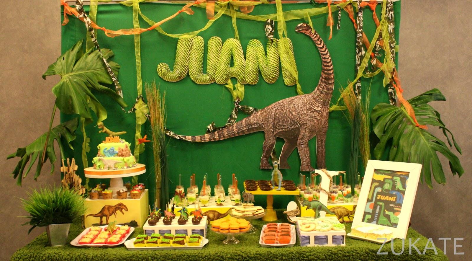 Fiesta de dinosaurios para juani zukate - Decoracion de fiestas de cumpleanos infantiles ...