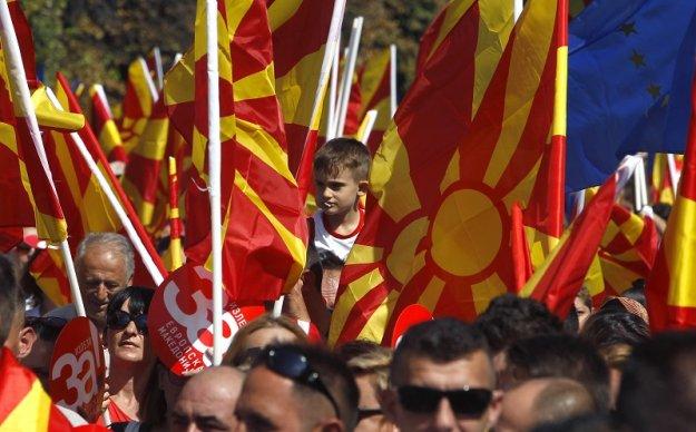Νομιμοποιείται η «μακεδονική» Διασπορά και τα ζητά όλα...