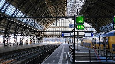 أعطال في أمستردام وروتردام تؤثر على حركة القطارات في جميع أنحاء البلاد