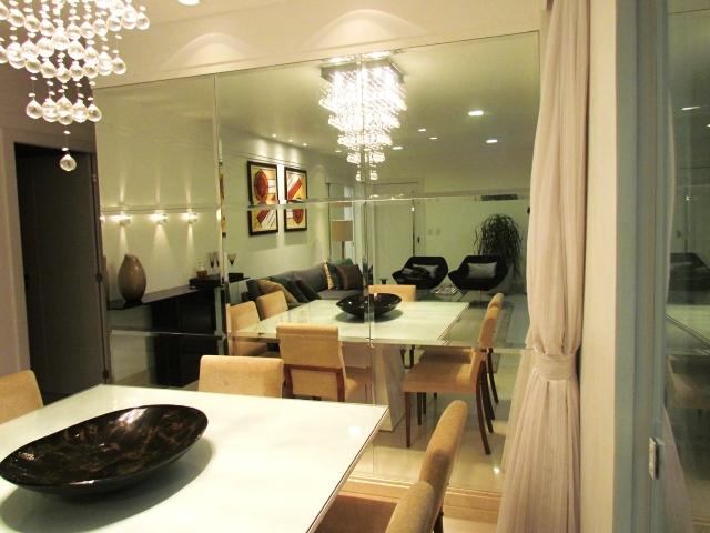 Espelho Em Sala Pequena ~ Neste modelo, foi feita uma composição com 09 espelhos bisotados que
