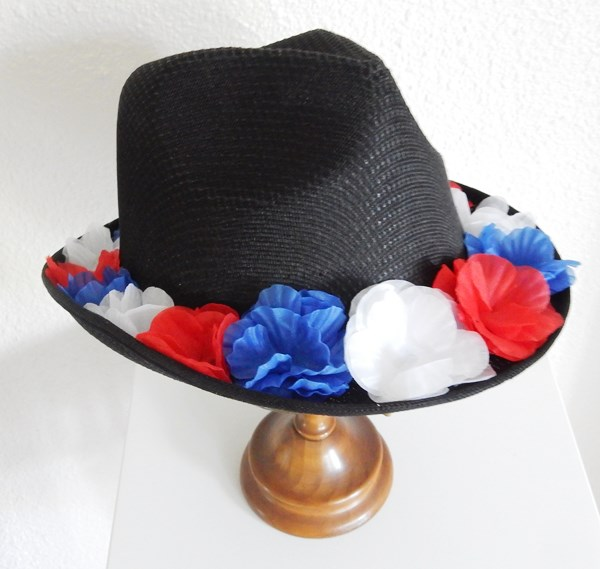 DIY : le chapeau du supporter de la France